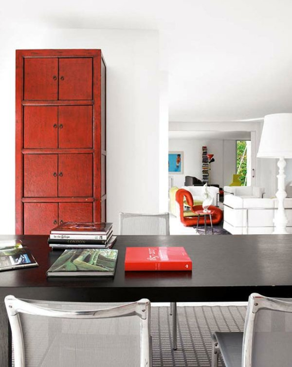 Dramatic Colorful Apartment With Vintage Pieces