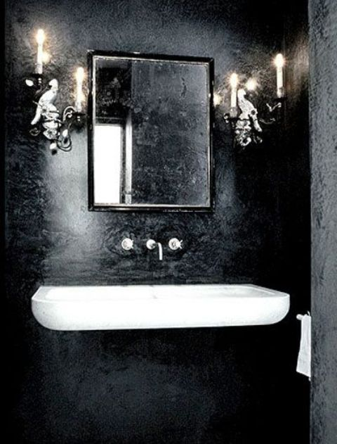 Dramatic Gothic Bathroom Design Ideas