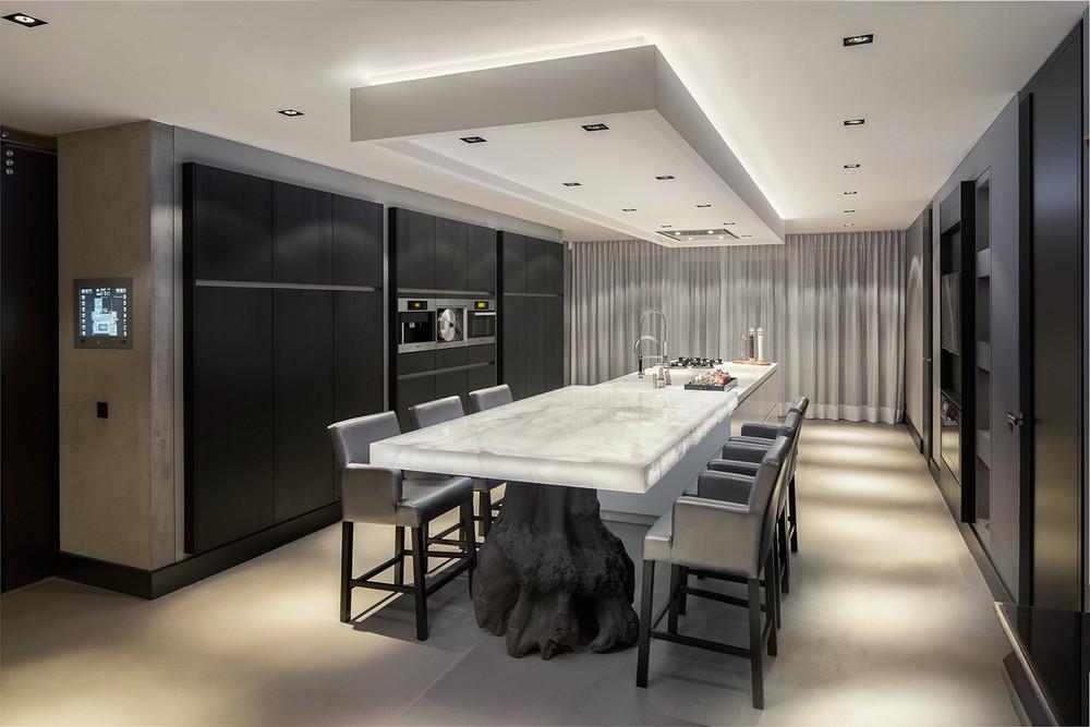 Dramatic Rotterdam Villa Design In Dark Shades