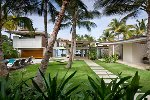 Tropical Island Beach House: Dream Tropical House Design In Maui By Pete Bossley