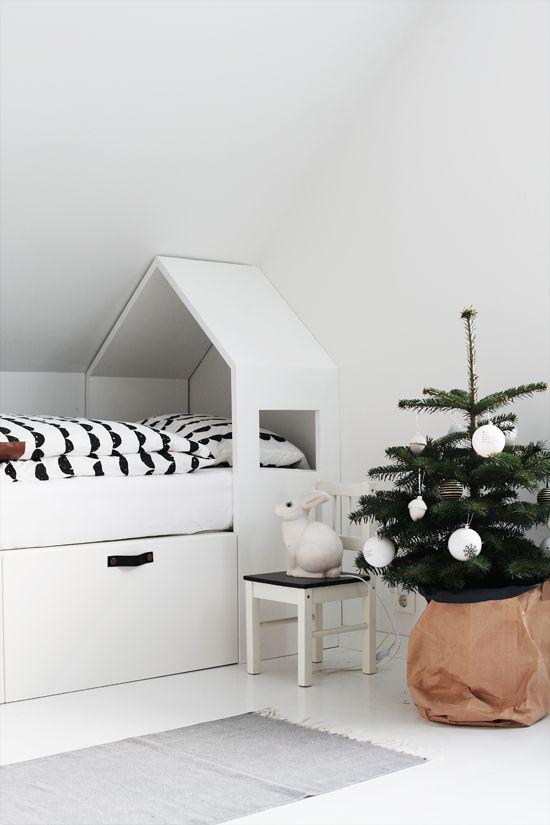 31 Dreamy And Soft Scandinavian Kids Rooms Décor Ideas - DigsDigs