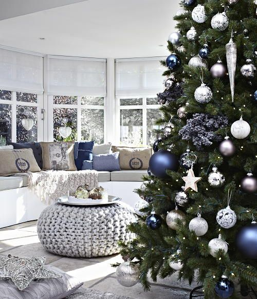 dreamy christmas living room decor ideas - Christmas Room Decoration Ideas