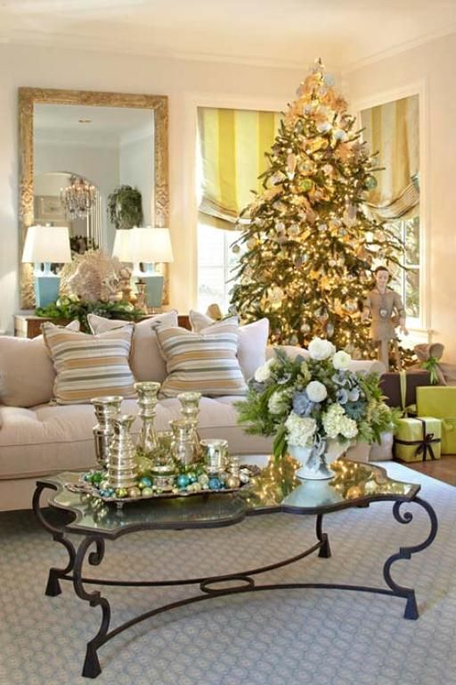 55 dreamy christmas living room d cor ideas digsdigs for Home decor xmas