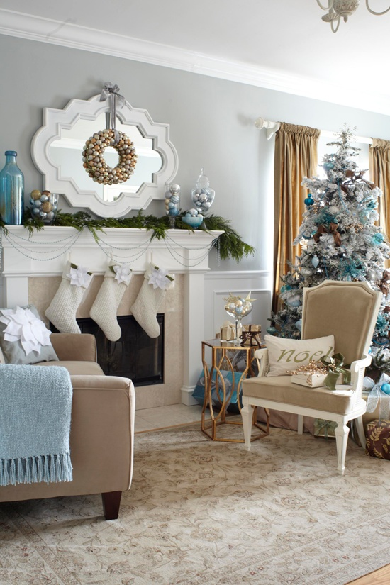 55 dreamy christmas living room d cor ideas digsdigs - Living room themes decorating ideas ...