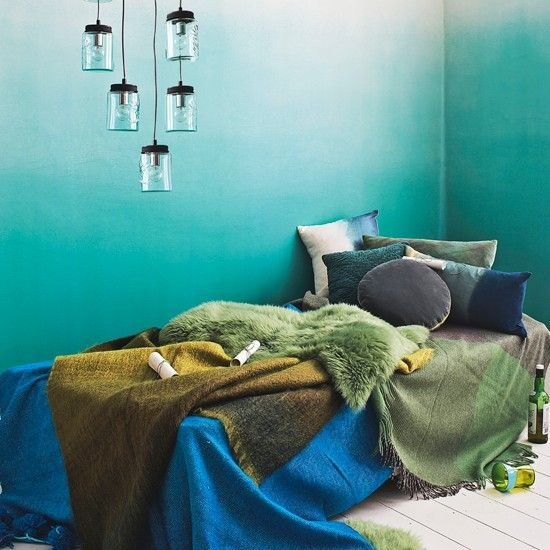 27 Dreamy Ombre Wall Décor Ideas