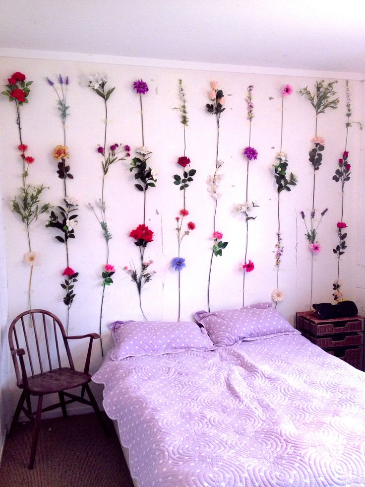 26 dreamy spring bedroom d cor ideas digsdigs for Floral bedroom decor