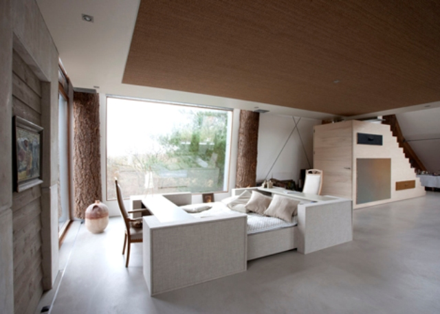 Dune House With Unqiue Architecture And Lots Of White Color