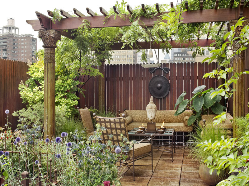 Amazing eastern style rooftop terrace garden of a new york for Terrace garden designs