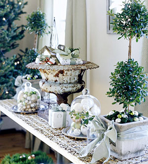 Picture Of easy holiday centerpiece  3