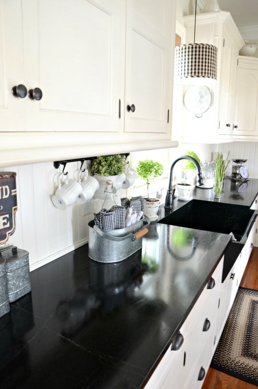 Picture Of easy tips for creating a farmhouse kitchen  25