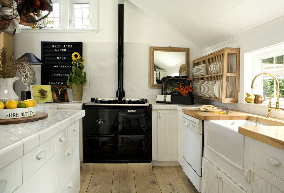 Picture Of easy tips for creating a farmhouse kitchen  6