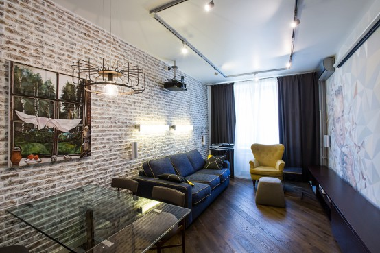 Eclectic And Bright Moscow Apartment With Accent Walls