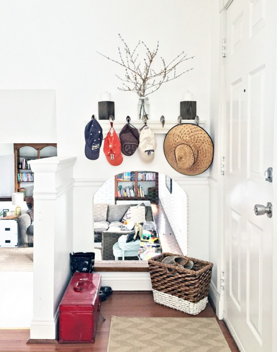 Eclectic And Cozy Virginia Home Decorated By Its Owners - Digsdigs