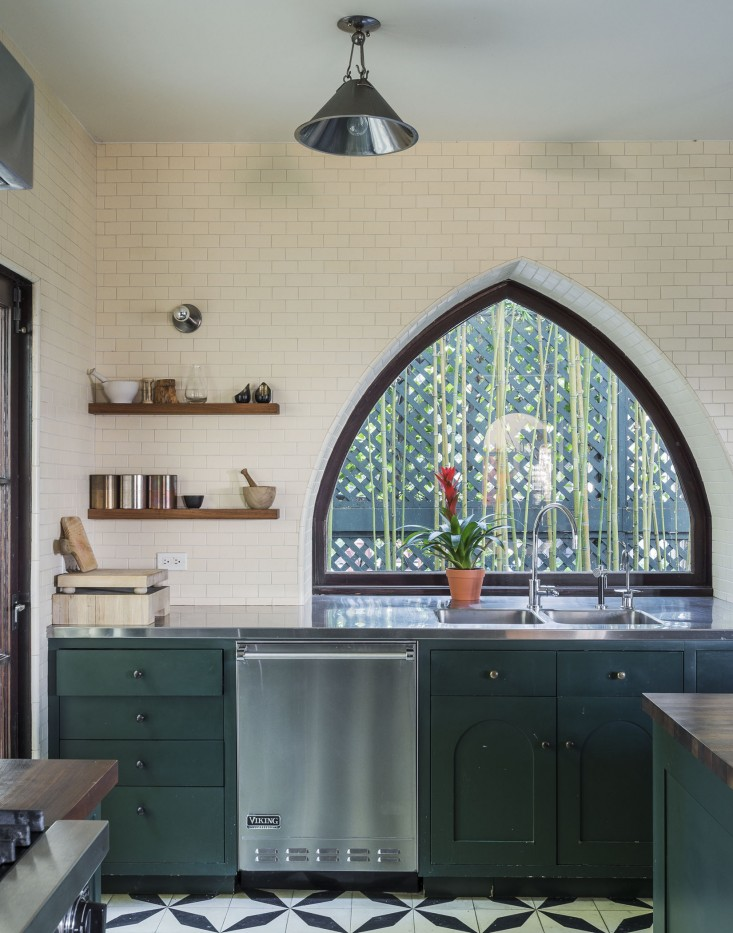 Eclectic Kitchen Design With A Timeless Sense - Interior Decorating ...