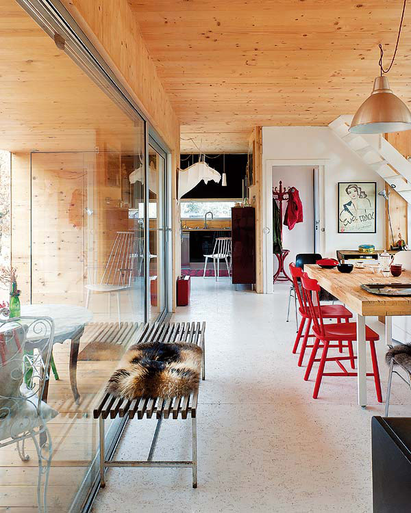 Eco Friendly Home House Design: Eco-Friendly Forest House With Eclectic Interiors