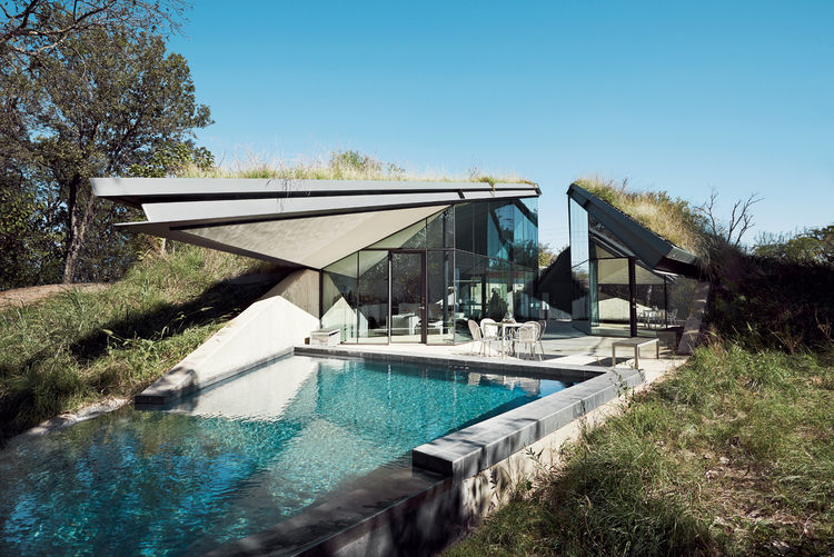 Super Modern House Design With a Living Roof