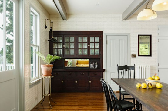 Elegant And Cozy Victorian Kitchen And Dining Room Digsdigs