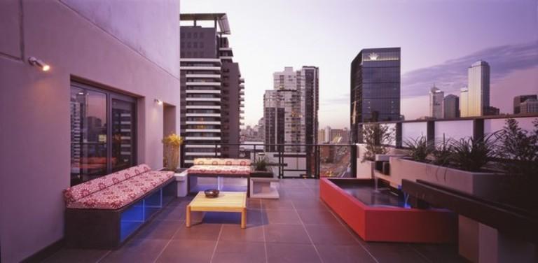 Elegant Apartment With Amazing Terrace Design