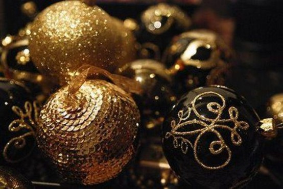 elegant black and gold christmas decor ideas - Black And Gold Christmas Decorations
