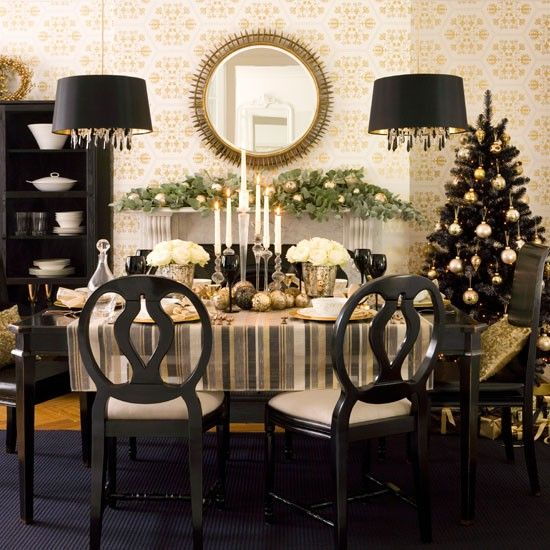 36 super elegant black and gold christmas d cor ideas for Modern gold christmas tree