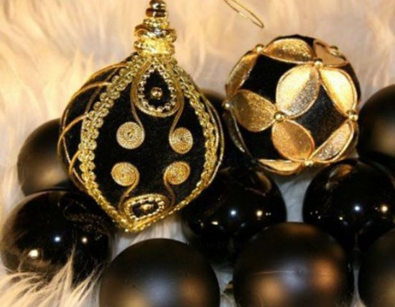 elegant black and gold christmas decor ideas - Black And Gold Christmas Ornaments