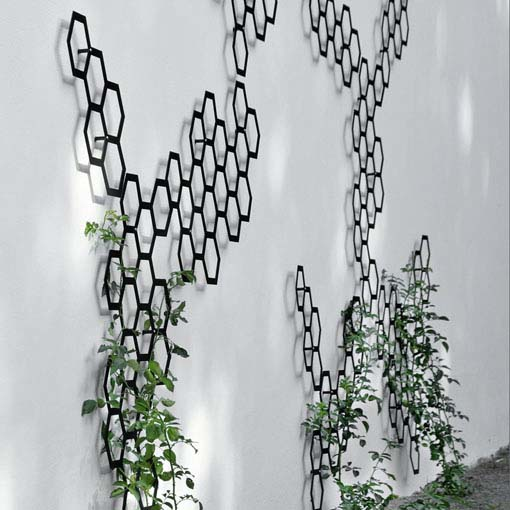 Elegant decorative trellis system comb ination by flora Outdoor fence art ideas