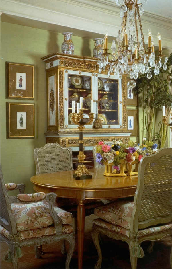 44 elegant feminine dining room design ideas digsdigs for Decorating the dining room ideas