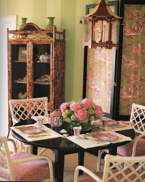 Elegant Feminine Dining Rooms