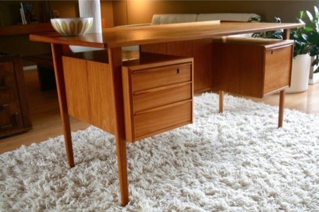 Elegant Mid Century Desk To Get Inspired