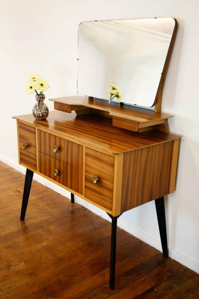 30 elegant mid century dressing tables and vanities digsdigs - Modern bathroom dressing table ...