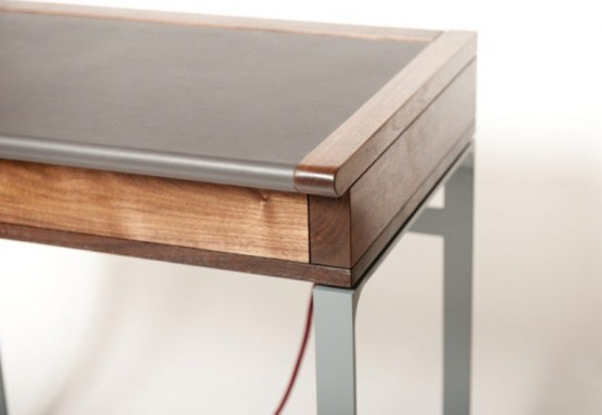 Elegant Moedrn Desk With A Vintage Touch