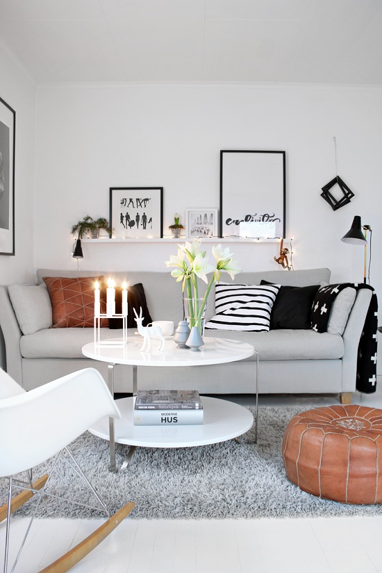 26 small living room designs with taste digsdigs for Wohnzimmer scandi style