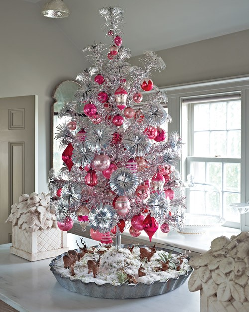 33 exciting silver and white christmas tree decorations. Black Bedroom Furniture Sets. Home Design Ideas