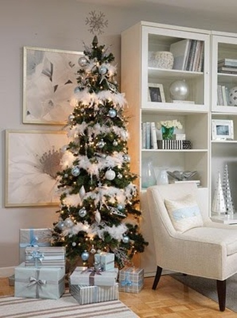 33 exciting silver and white christmas tree decorations for Xmas tree decoration ideas