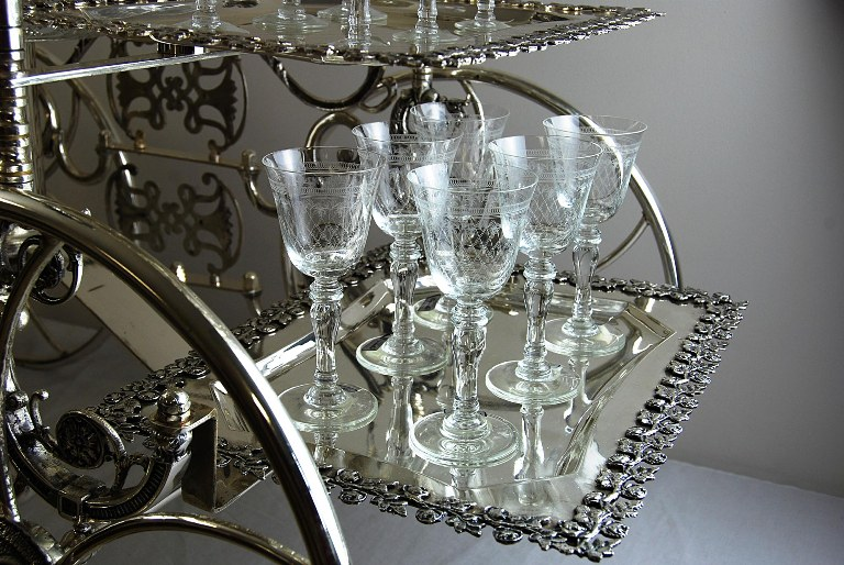 Exquisite Silver And Crystal Bar Trolley Digsdigs