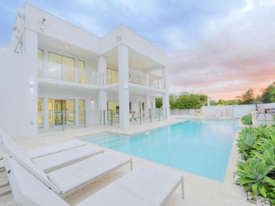 Exquisite Totally White House In Australia
