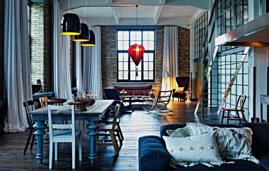 Eye-Catching Eclectic Riverloft With Unique Details