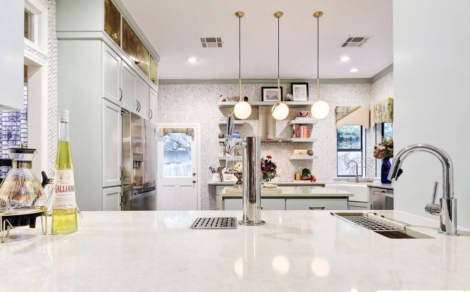 Picture Of eye catchy glam kitchen in a mix of patterns  2