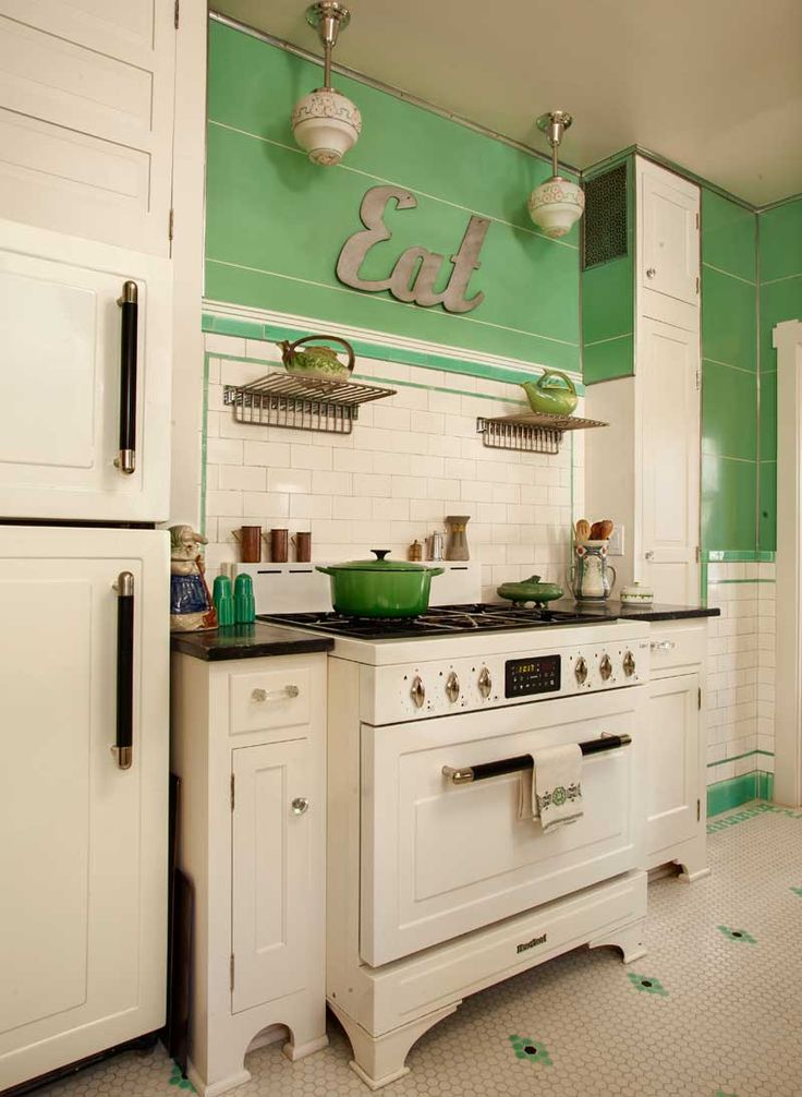 32 fabulous vintage kitchen designs to die for digsdigs for Fabulous kitchen designs