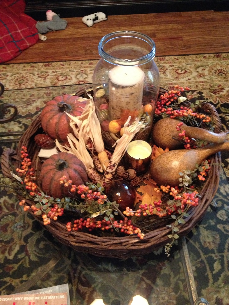 43 fall coffee table d cor ideas digsdigs for Dining room table decorating ideas for fall