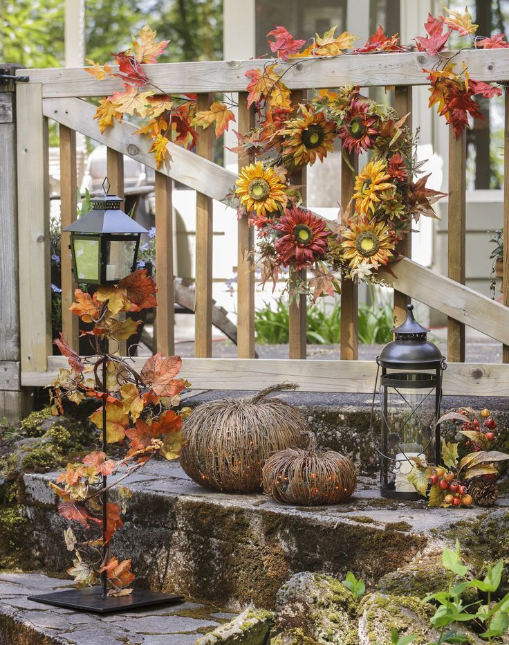 50 fall lanterns for outdoor and indoor d cor digsdigs for Pictures of fall decorations for outdoors