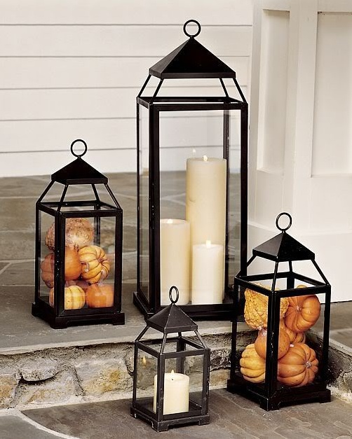 To make really beautiful arrangements always use several lanterns in different sizes.