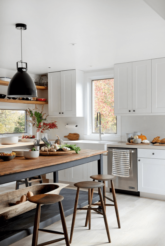 Fabulous Farmhouse With Mid Century Modern Furniture And Industrial Touches