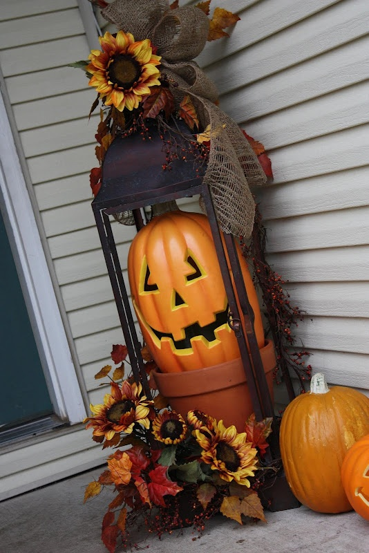 a cool front porch arrangement for fall