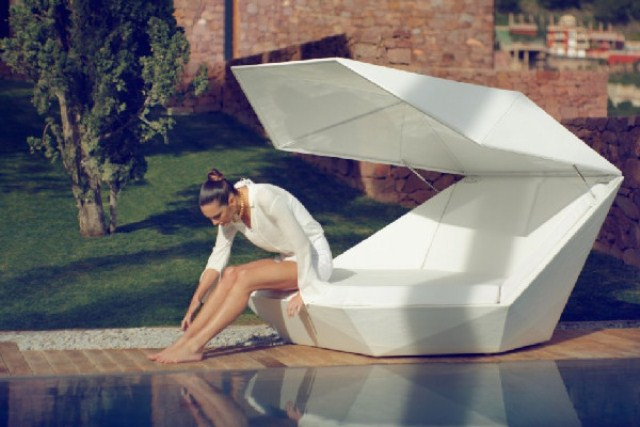 Faz Daybed Equipped With Built-In Speakers