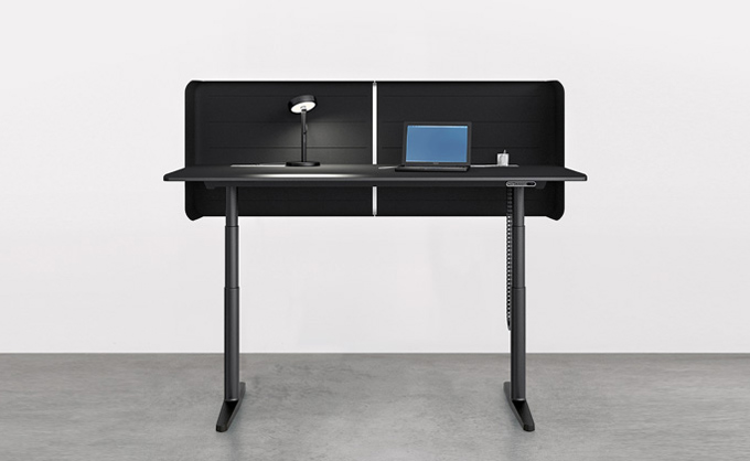 Flexible Working Desk For Sitting And Standing