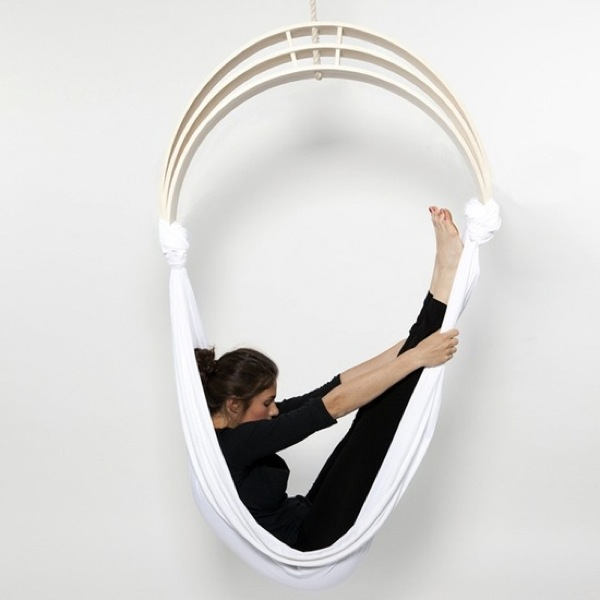 Flexible zen circus yoga chair digsdigs for Furniture yoga