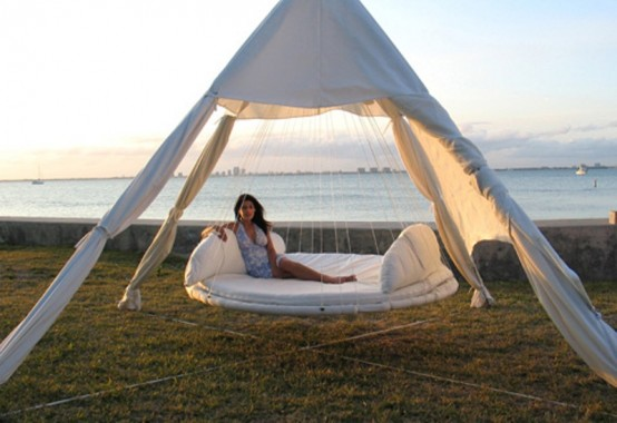 Floating Bed For Enjoying Staying Outdoors