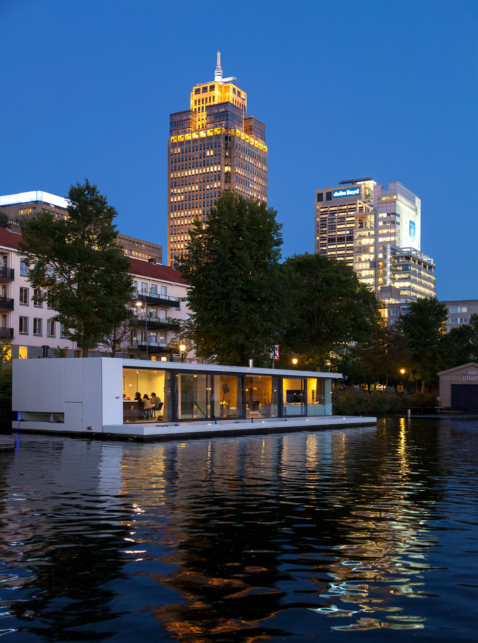 Floating Watervilla Weesperzijde In Amstel River