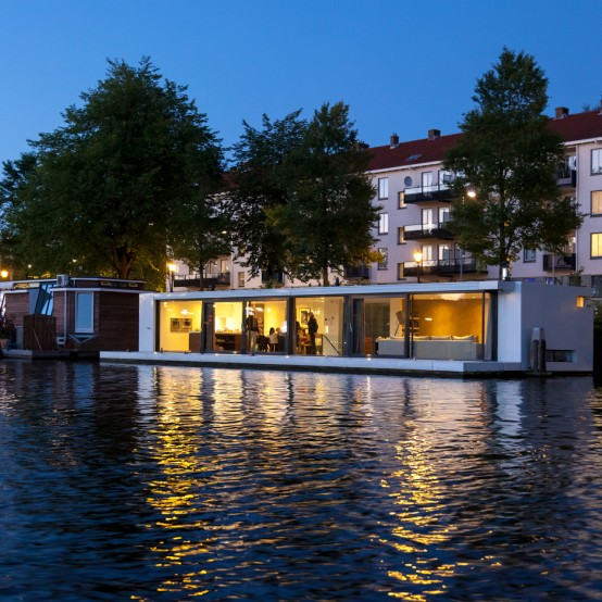 Floating Water Villa In Amstel House